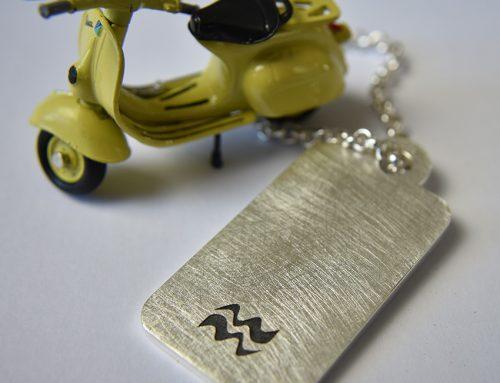 Schlüsselanhänger in Silber mit Lasergravur Wassermann