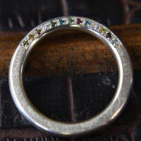 Goldschmied Herrenberg, Silberring mit farbigen Brillanten