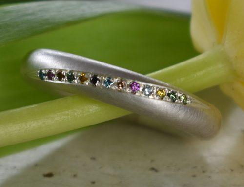Silberring mit Brillanten in 13 verschiedenen Farben