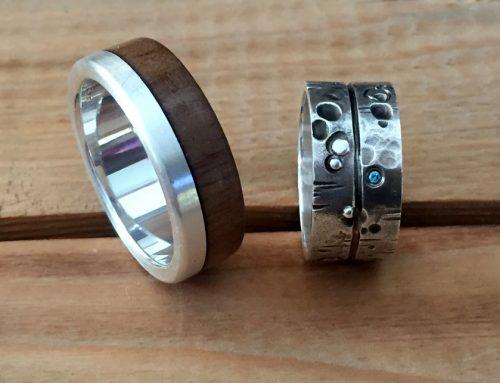Eheringe aus Silber – Herrenring mit Holzauflage