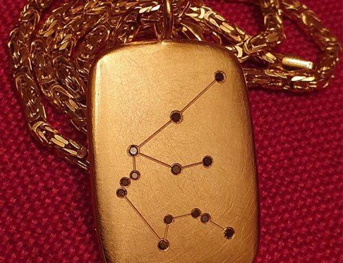 Silberanhänger vergoldet – Wassermann – mit schwarzen Brillanten
